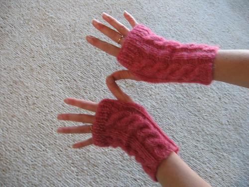 pink wristwarmers4