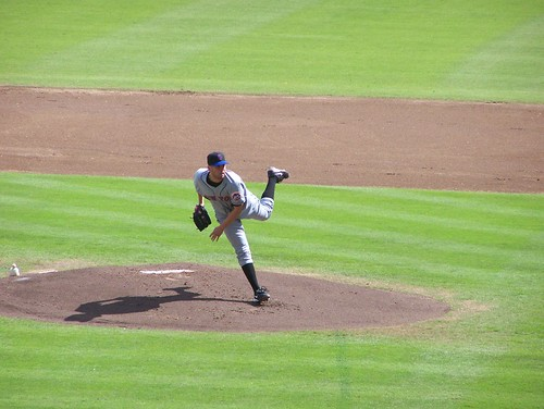 Perez pitches2