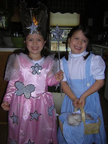 Dorothy and Glinda 2