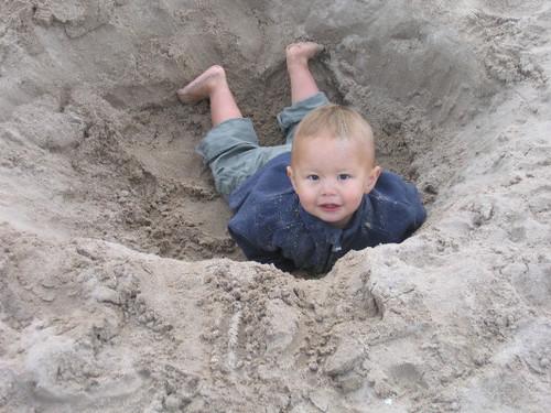 angus_sand_hole_1