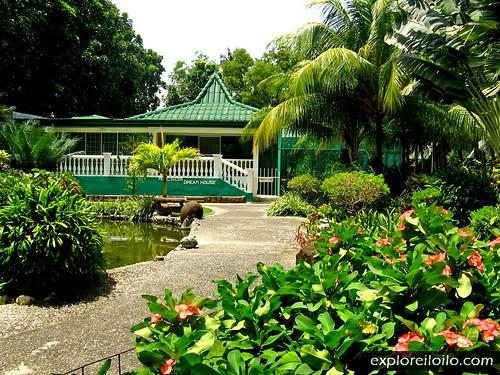 guimbal racsos zoo resort iloilo