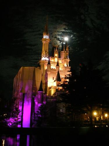 晚上的城堡