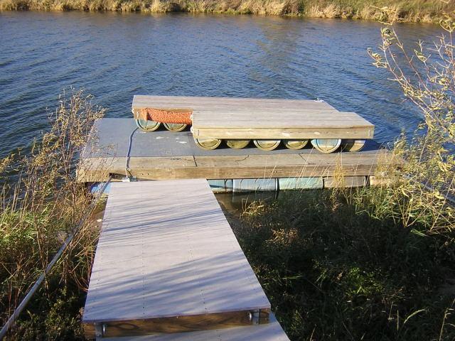 docks on dock