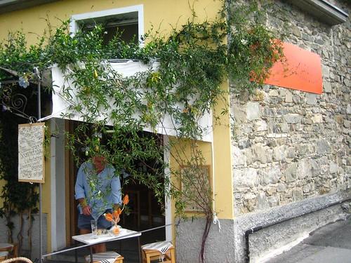 Cute Wine Shop just outside Corniglia