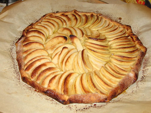 Chez Panisse-inspired apple tartine