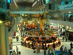ドバイ空港免税店2