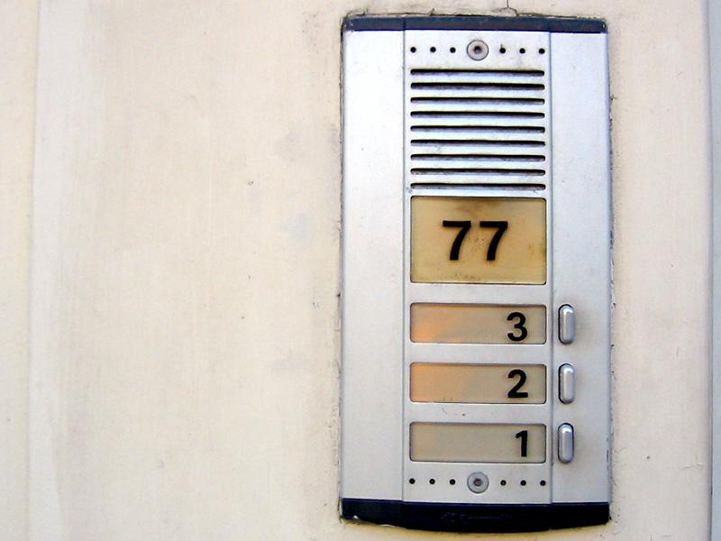 77 321