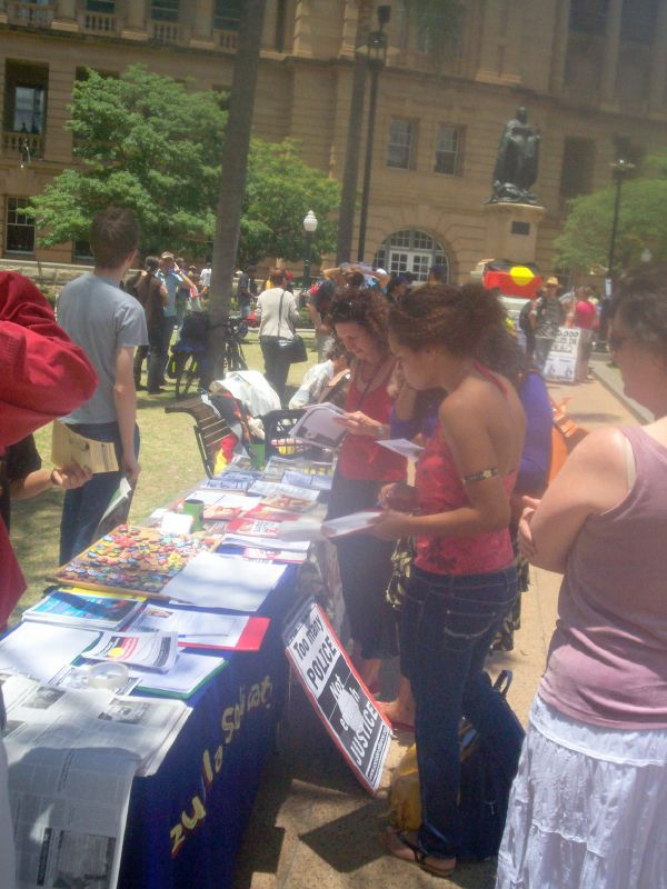 Resistance - Socialist Alliance - Venezuela solidarity stall - Justice for Mulrunji Rally at Queens Park and March through Brisbane City, Australia, November 18 2006