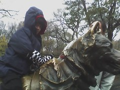 M. on the statue of Balto