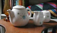 Franciscan Starburst teapot, creamer, and sugar bowl