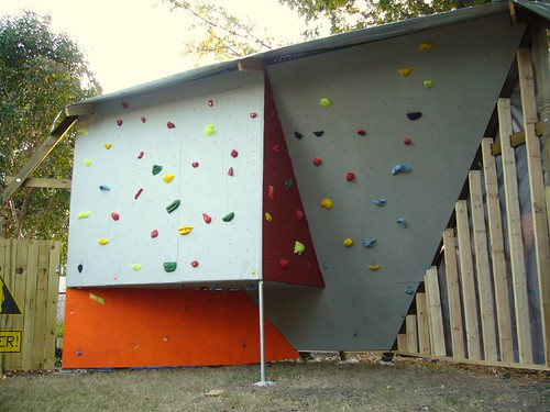 how to build a bouldering wall