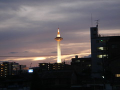 京都タワー @七条大橋