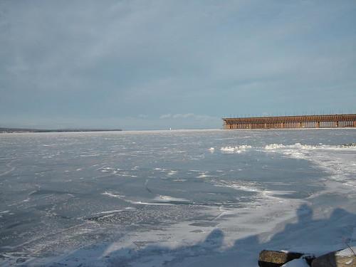 Icy oredock.